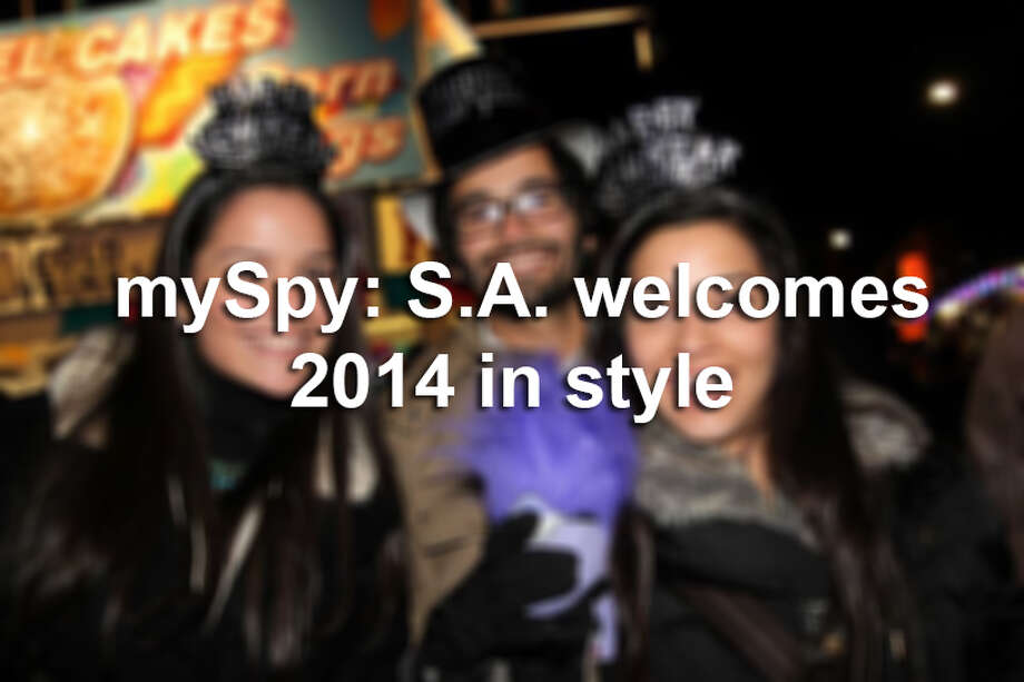 See who ushered in 2014 during San Antonio's New Year's Eve celebration. Photo: XELINA FLORES-CHASNOFF, FOR MYSA.COM