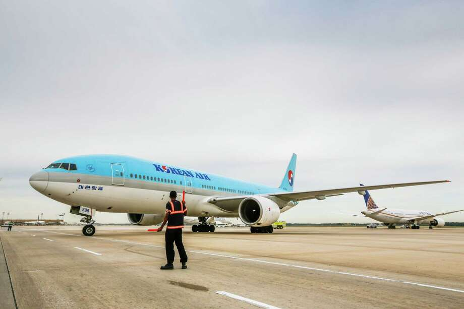 The inaugural Korean Air direct flight to and from Seoul, South Korea, taxis to the gate, May 2, 2014 in Houston at George Bush Intercontinental Airport. The airline will stop flying to Houston in October. (Eric Kayne/For the Chronicle) Photo: Eric Kayne / Eric Kayne