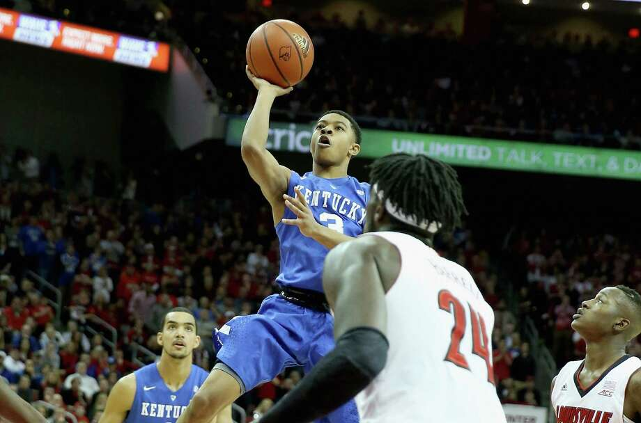 LOUISVILLE, KY - DECEMBER 27:  Tyler Ulis #3 of the Kentucky Wildcats shoots the ball during the game against the Louisville Cardinals at KFC YUM! Center on December 27, 2014 in Louisville, Kentucky.  (Photo by Andy Lyons/Getty Images) ORG XMIT: 519904455 Photo: Andy Lyons / 2014 Getty Images