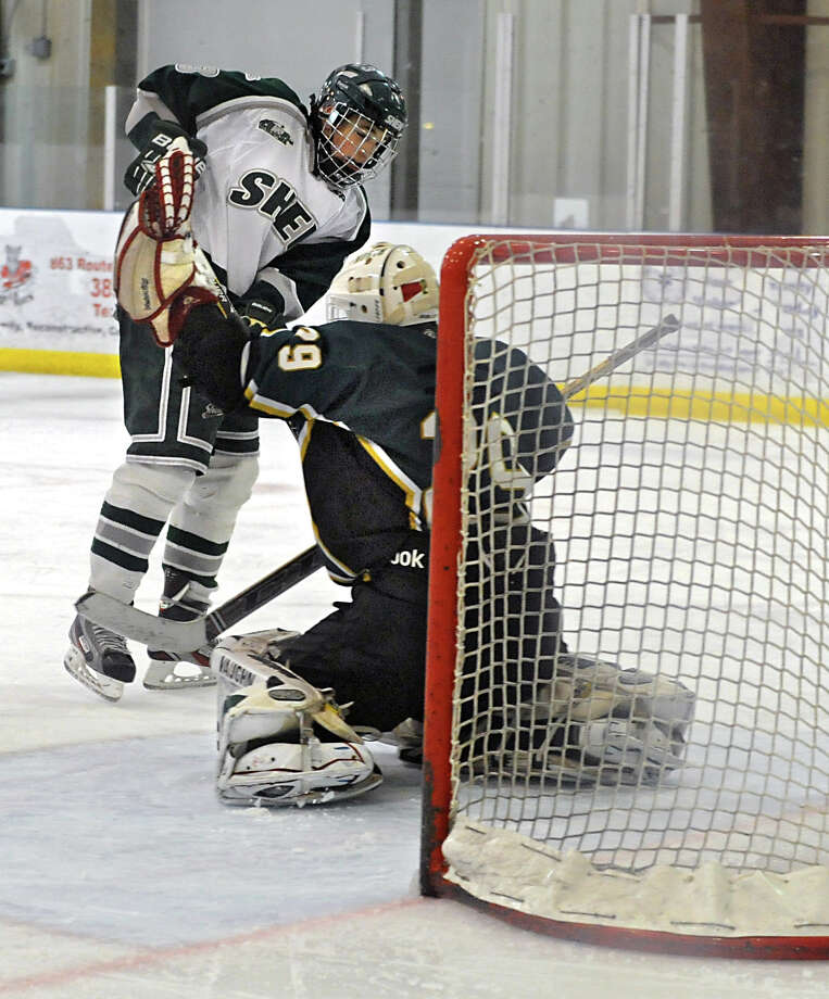 Shenendehowa's Jake Kerner tries to score against Williamsville North during a hockey game at Clifton Common on Monday, Dec. 29, 2014 in Clifton Park, N.Y. (Lori Van Buren / Times Union) Photo: Lori Van Buren / 00030012A