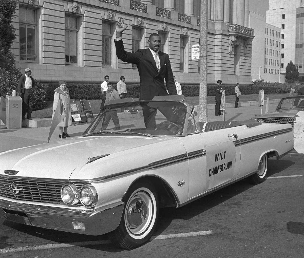 San Francisco Warriors at City Hall in San Francisco Wilt Chamberlain Staff shot, but photographer unidentified