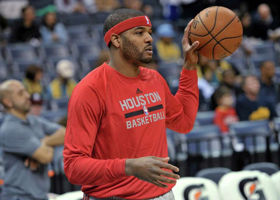 Josh Smith is learning on the fly with the Rockets, who had three games in four nights after he joined them. Photo: Brandon Dill, FRE / FR171250 AP