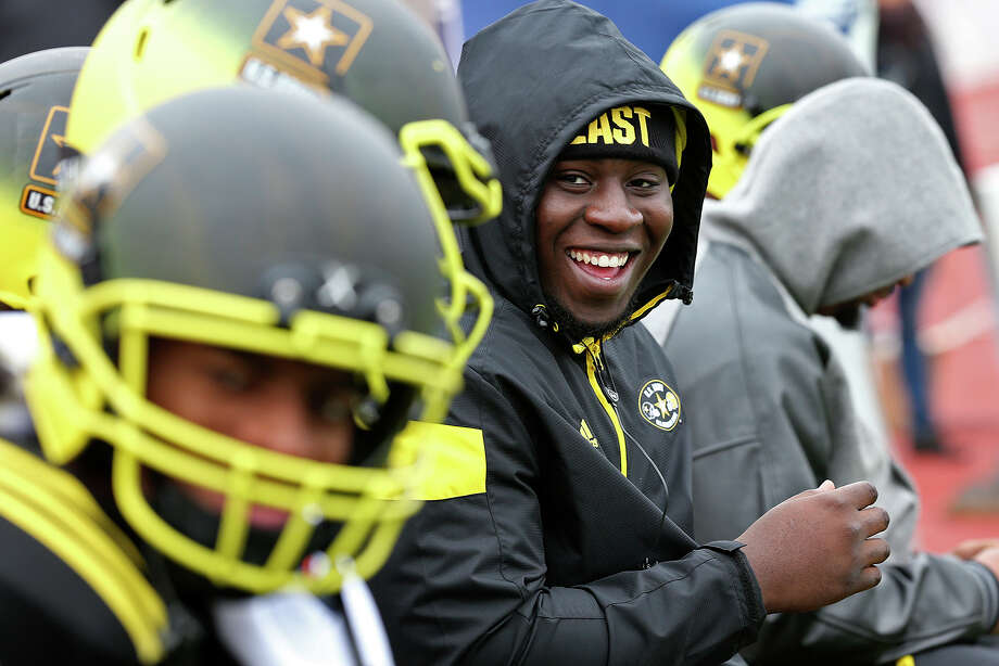 Defensive tackle Neville Gallimore sits out the U.S. Army All-American Bowl East team practice at Alamo Stadium on Dec. 30, 2014. The No. 6 defensive tackle in the Class of 2015, according to 247Sports, said he will choose Oklahoma, Ohio State or Florida State. Photo: Jerry Lara /San Antonio Express-News / © 2014 San Antonio Express-News