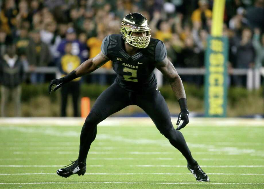 Baylor defensive end Shawn Oakman (2) defends as the line of scrimmage during an NCAA college football game against Kansas State, Saturday, Dec. 6, 2014, in Waco, Texas. Photo: Tony Gutierrez /Associated Press / AP
