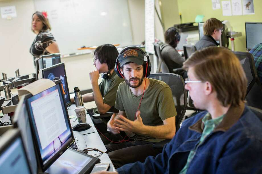 Danny Homan, center, is in the inaugural class of the Denius-Sams Gaming Academy, UT Austin's first foray into video game education. Photo: Tamir Kalifa, Freelance / Tamir Kalifa