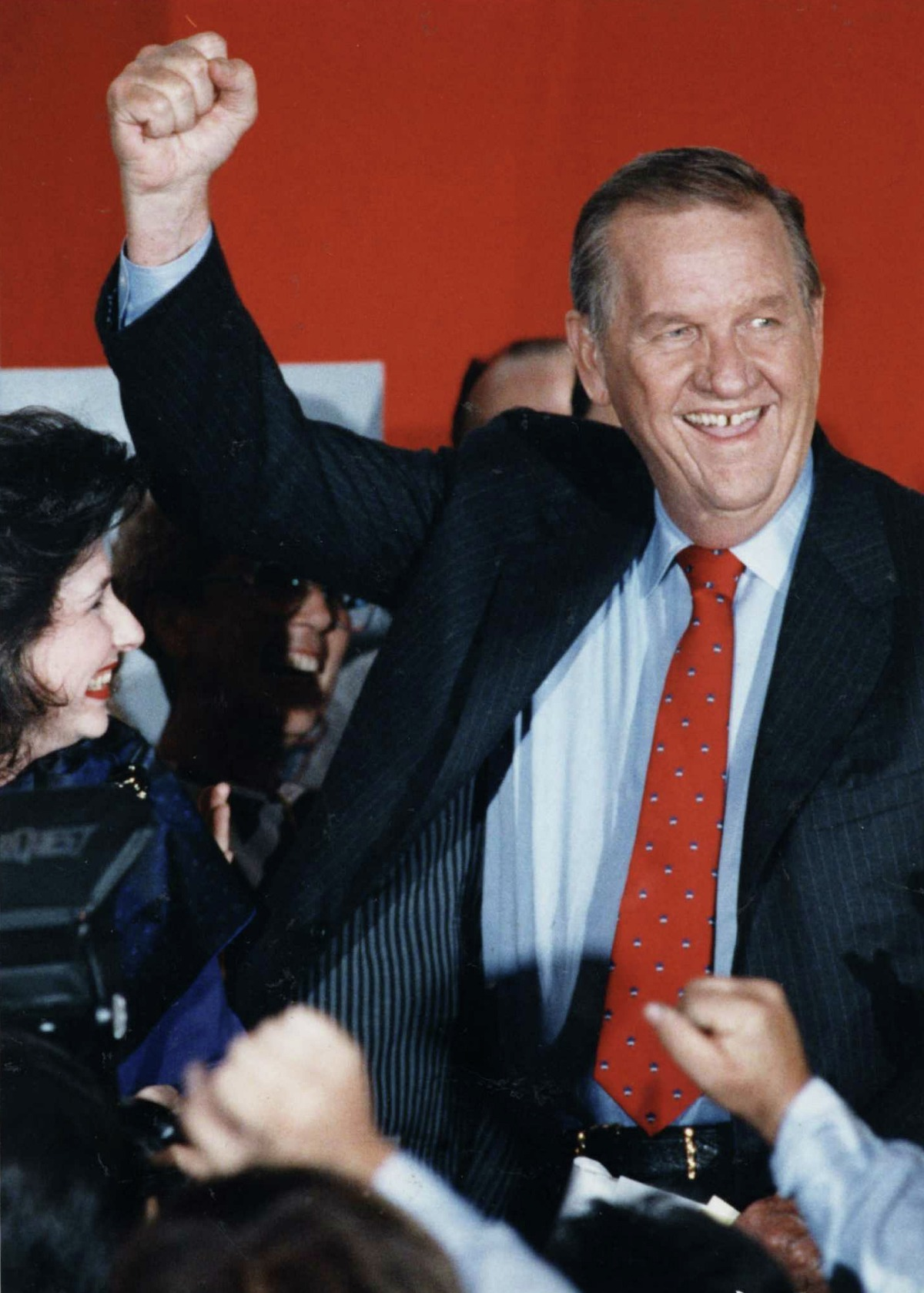 (Nov 5, 1991) Mayoral runoff candidate, Bob Lanier, as he makes a victory speech at his headquarters, after incumbent Kathy Whitmire conceded defeat. (Dave Einsel/Houston Chronicle)