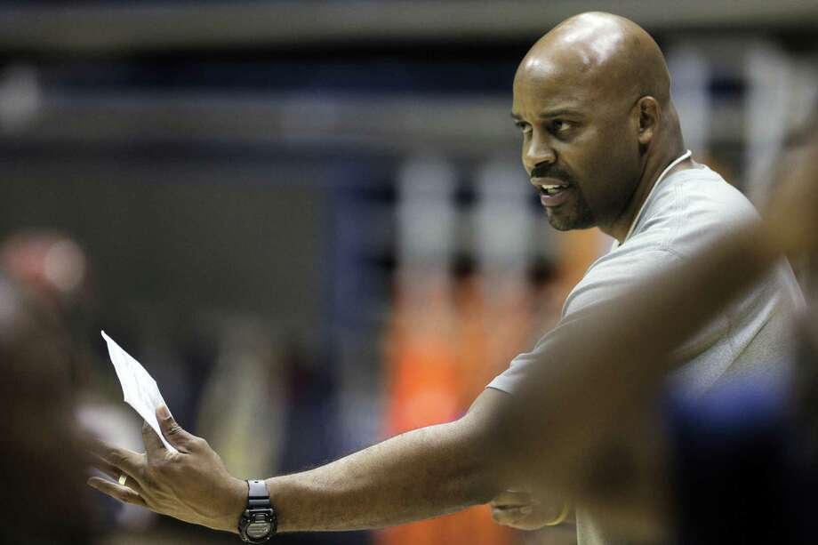 Cuonzo Martin, watching his players perform drills during practice at Haas Pavilion, turned to coaching after his fight with non-Hodgkin's lymphoma 17 years ago when his former college mentor made him an job offer. Photo: Carlos Avila Gonzalez / The Chronicle / ONLINE_YES