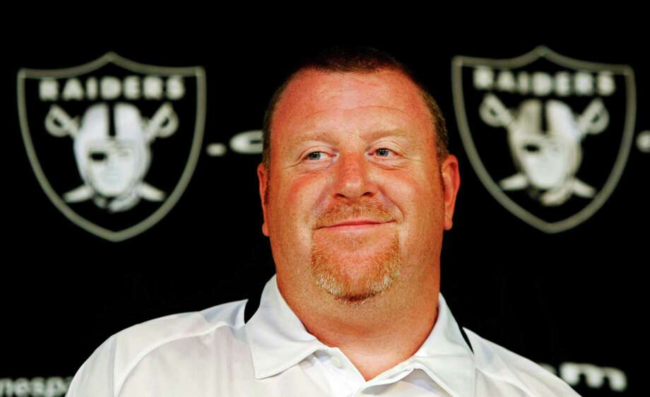 Oakland Raiders head coach Tom Cable smiles during a news conference at Raiders NFL football headquarters in Alameda, Calif., Monday, Oct. 19, 2009. (AP Photo/Paul Sakuma) Photo: Paul Sakuma, STF / AP