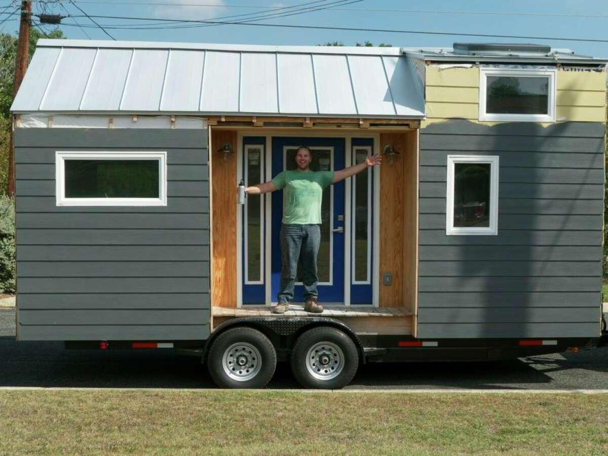Photos of Casey Friday's tiny house.