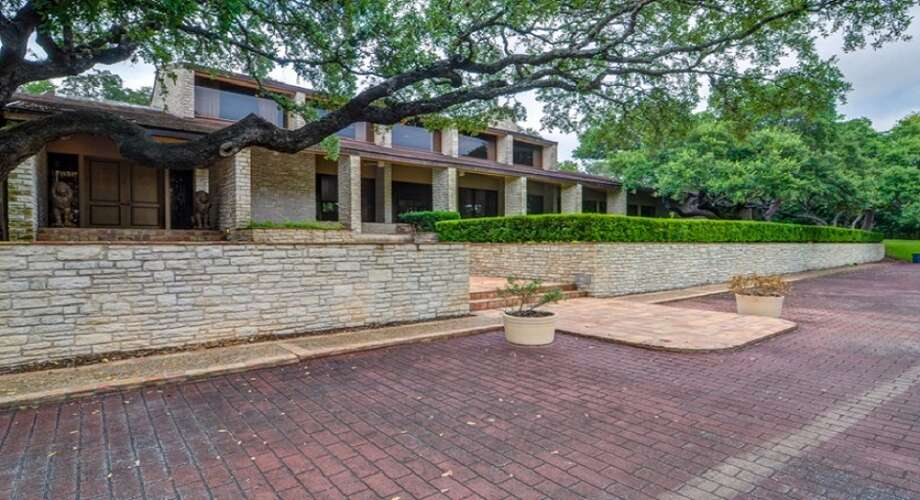 2900 Nacogdoches Rd, San Antonio, TX 78217This property was built for TETCO's Tom Turner in the 1970s and according to the listing it was built to entertain, hosting parties for San Antonio elite. Photo: Carson Properties