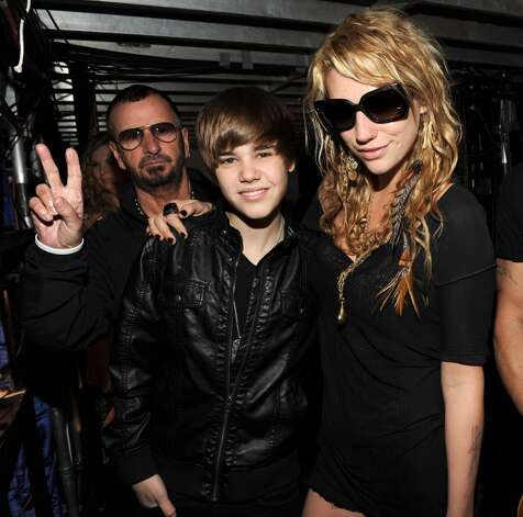Ringo Starr, Justin Bieber and Ke$ha during the dress rehearsal at Staples Center on January 31, 2010 in Los Angeles, California. Photo: Kevin Mazur, WireImage