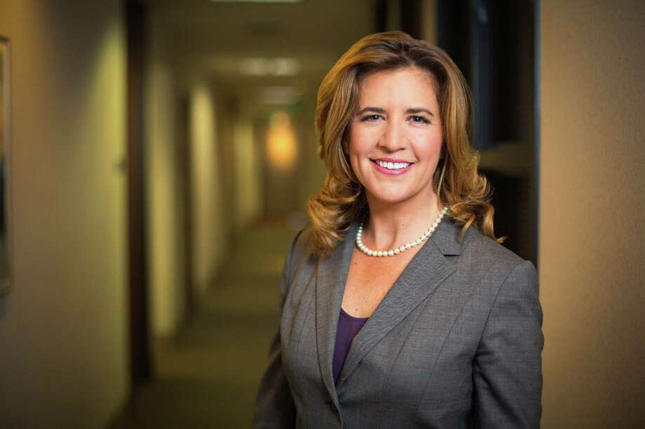 Sonia Luna is the founder of a consulting company in Los Angeles. She hopes a new California law will open more doors.  Photo: Johnny Shryock, HONS / Johnny Shryock