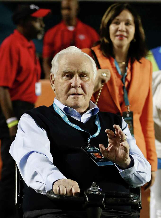 MIAMI GARDENS, FL - NOVEMBER 13:  Former Miami Dolphins head coach Don Shula waves to a fan with his wife Mary Anne (R, background) on the field before the Dolphins met the Buffalo Bills in a game at Sun Life Stadium on November 13, 2014 in Miami Gardens, Florida.  (Photo by Joel Auerbach/Getty Images) ORG XMIT: 507866137 Photo: Joel Auerbach / 2014 Getty Images