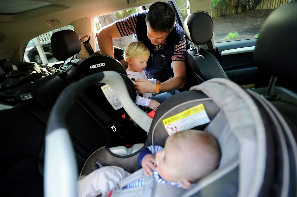 Bill would keep kids in rear-facing seats until age 2 - SFGate