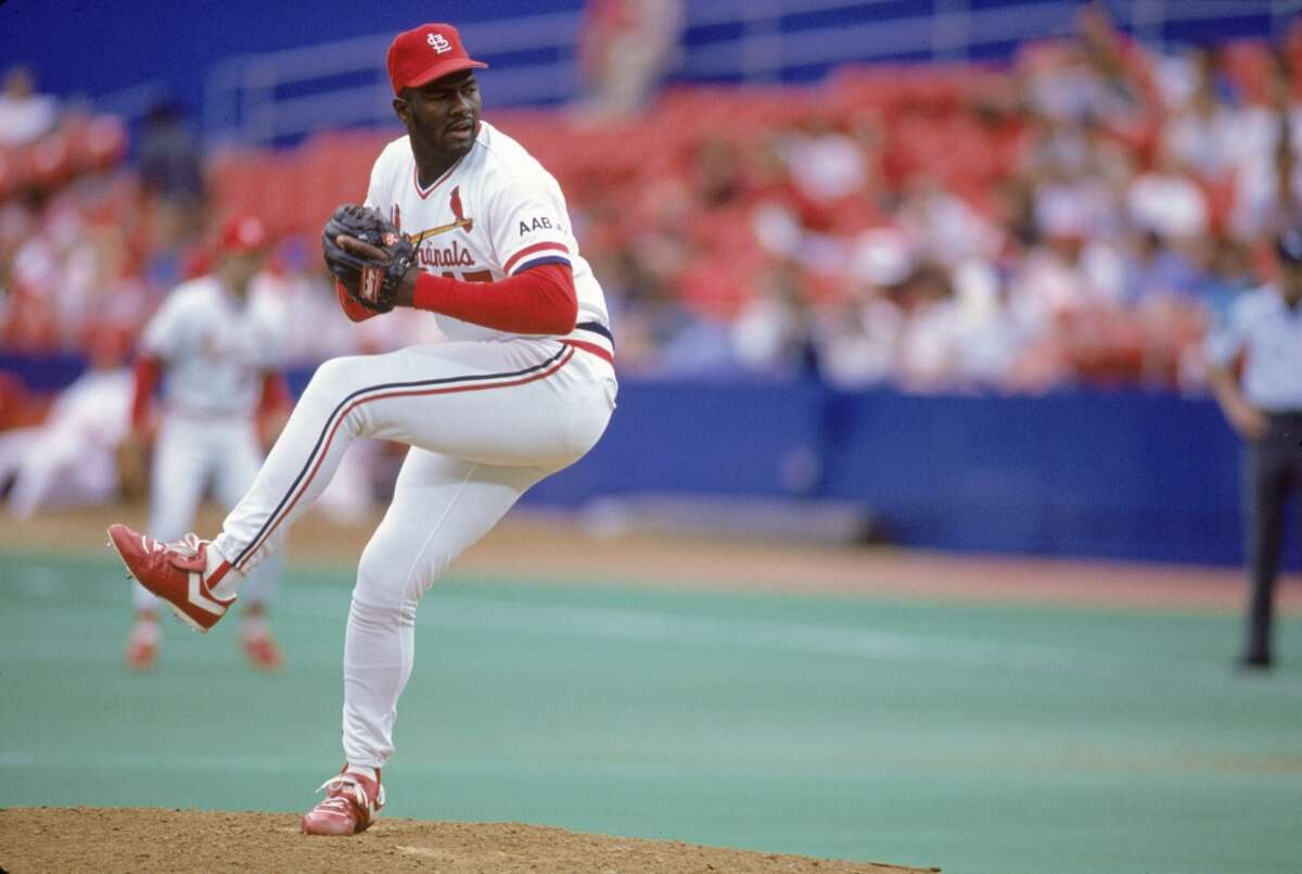 Lee Smith Projected votes:28.6% Last year: 30.2% If the dominant closer has any hopes to make the Hall, he'll likely have to do so through the Veteran's Committee because he only has one more year left to be eligible for the Baseball Writers Association of America vote. Smith's voting total reached its peak in 2012 when he received 50.6 percent of the vote, but it has slipped dramatically since then. Smith played 18 big league seasons, was a seven-time All-Star and twice led the majors in saves (1991, 1994).