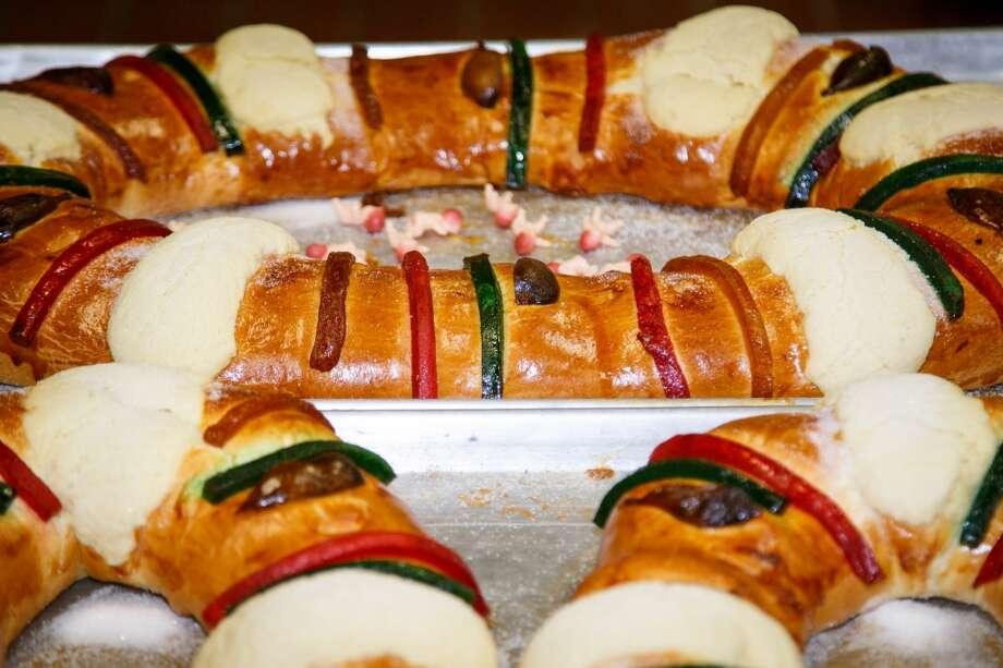 El Día de Reyes, o Día de los Reyes Magos, no está completo sin la exquisita y tradicional rosca. Photo: Michael Paulsen, Houston Chronicle