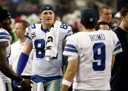 Dallas Cowboys tight end Jason Witten talks with quarterback Tony Romo in the team bench area during the game against the Indianapolis Colts on Dec. 21, 2014, in Arlington. Photo: Brandon Wade /Associated Press / FR168019 AP