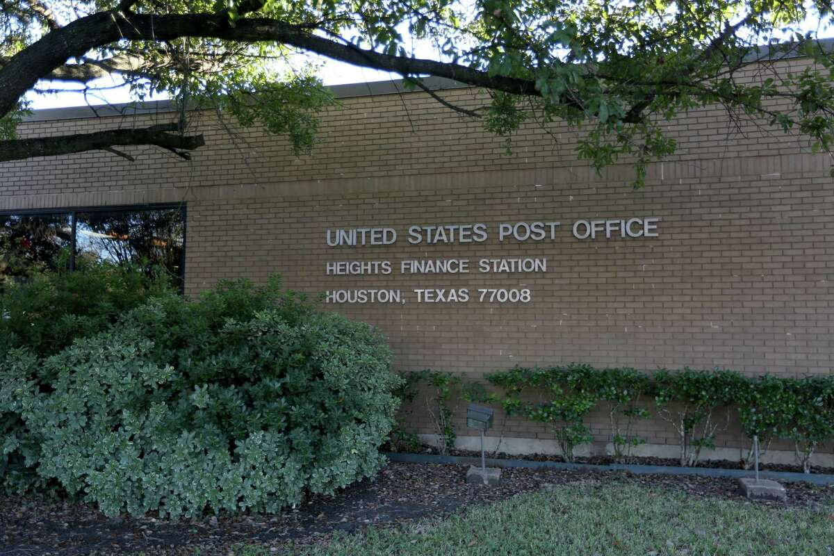 US Post Office at 1050 Yale St. in the Heights Monday, Jan. 5, 2015, in Houston, Texas. ( Gary Coronado / Houston Chronicle )