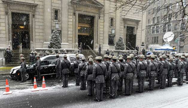 The hearse carrying the remains of former Governor Mario Cuomo arrives at the front door of St. Ignatius Loyola Church for funeral services Tuesday morning, Jan. 6, 2015, in New York City, N.Y. (Skip Dickstein/Times Union) Photo: SKIP DICKSTEIN / 00030083A