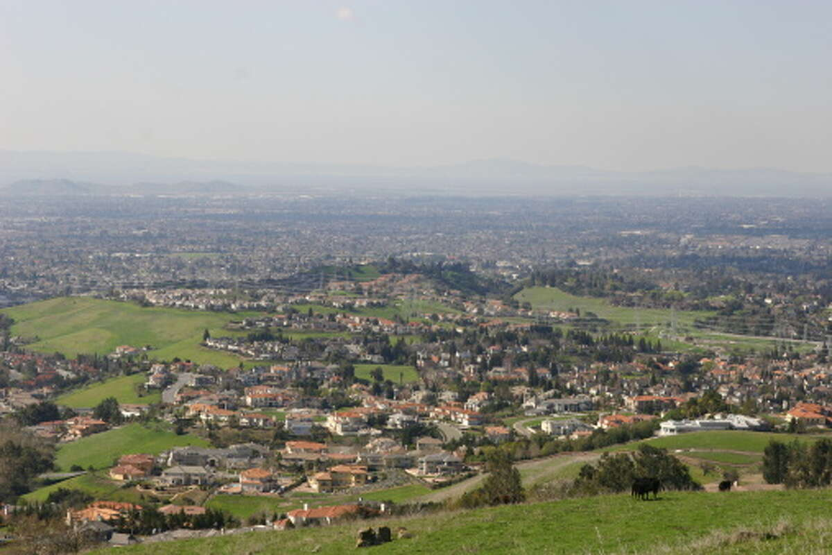 Fremont Median household income: $122,191Middle-class income range: $81,461 to $244,382