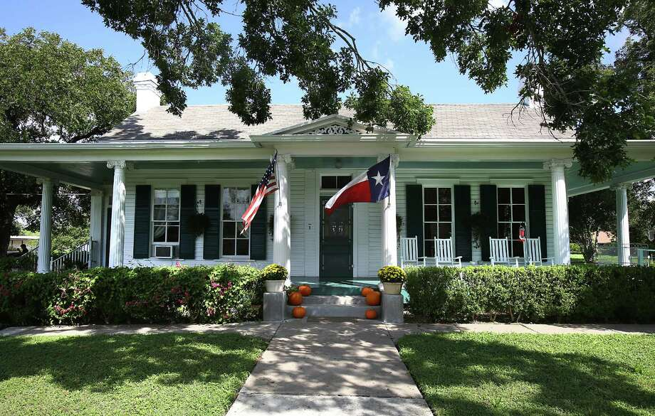 Mary Jane and Wayne Windle's 1877 family historical home in Seguin. The house was built by his great-great-grandparents. Photo: BOB OWEN, Staff / © 2014 San Antonio Express-News