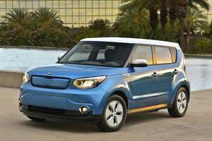 Kia Soul goes hi-tech with all-electric motor - Photo