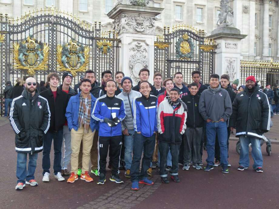 The Lamar soccer team visited Buckingham Palace as part of its tour of England. Photo: Courtesy Of Lamar High School