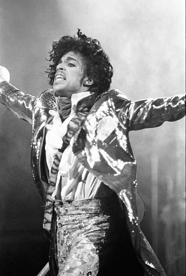 Prince performs at the Summit, Jan. 10, 1985. Photo: Steve Campbell, Houston Chronicle / Houston Chronicle
