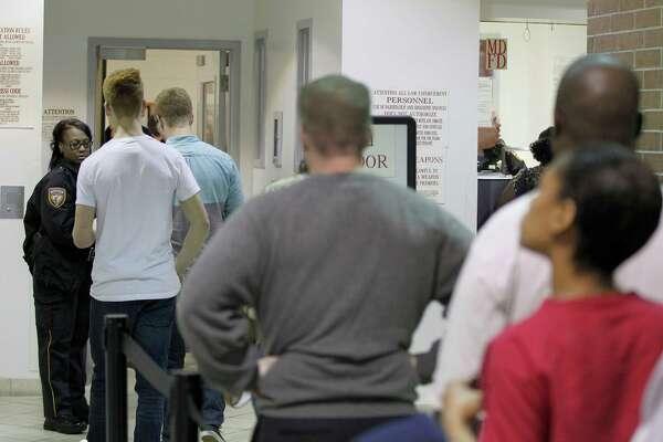 Harris County Jail behind times on inmate visitation