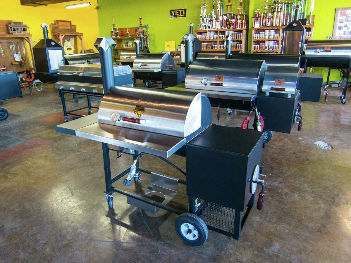 Offset barbecue smokers at Pitt's & Spitt's.