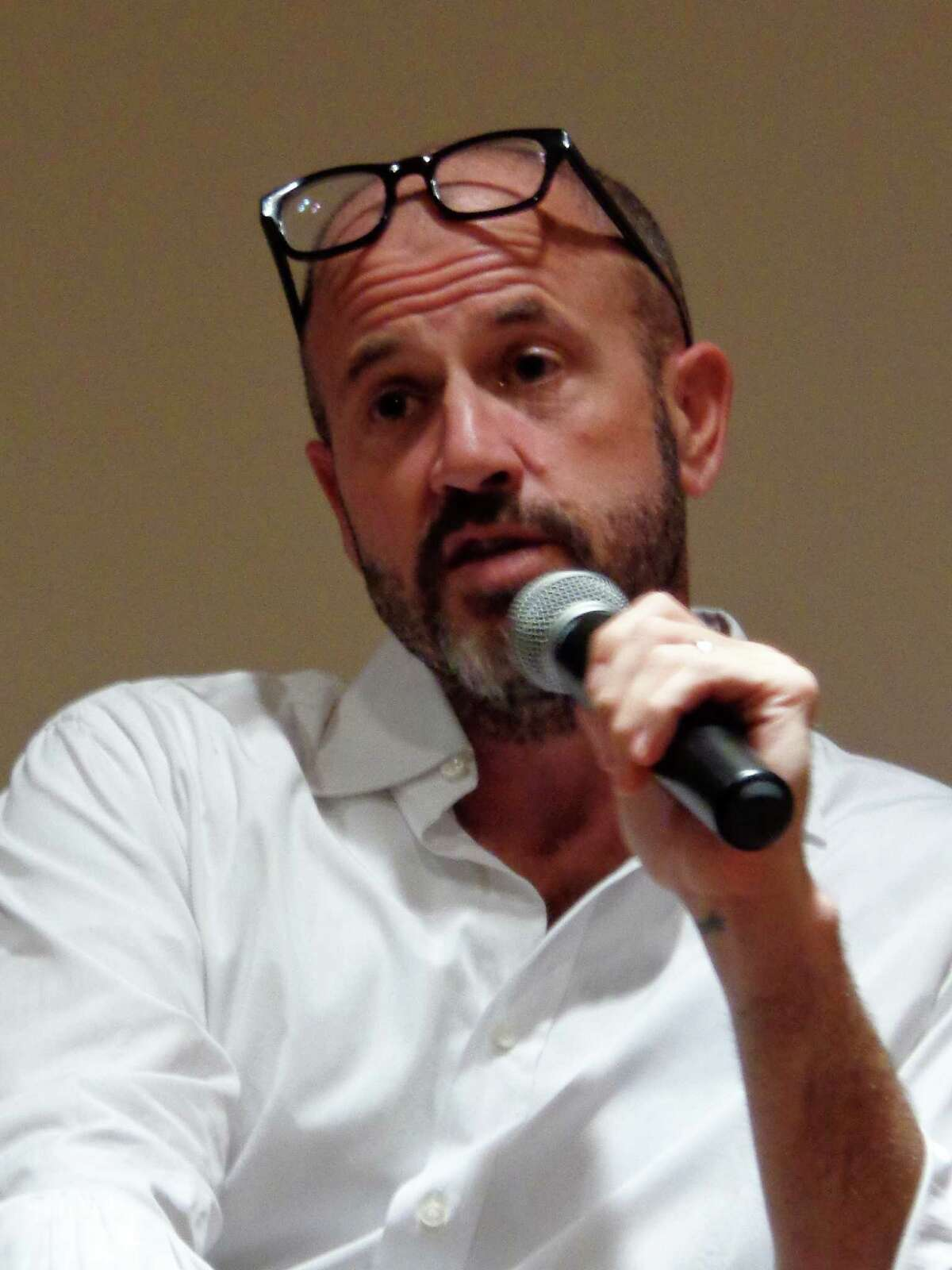 Bestselling author James Frey speaks about his new book, ìEndgame: The Calling,î to a hometown crowd at the New Canaan Library.