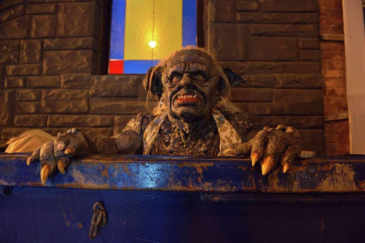 "MAN SEEKING WOMAN -- Episode 1: ""Lizard"" (Airs Wednesday, January 14, 10:30 PM e/p). Pictured: Troll. MAN SEEKING WOMAN -- Episode 1: ""Lizard"" (Airs Wednesday, January 14, 10:30 PM e/p). Pictured: Troll. CR: Michael Gibson/FXX"