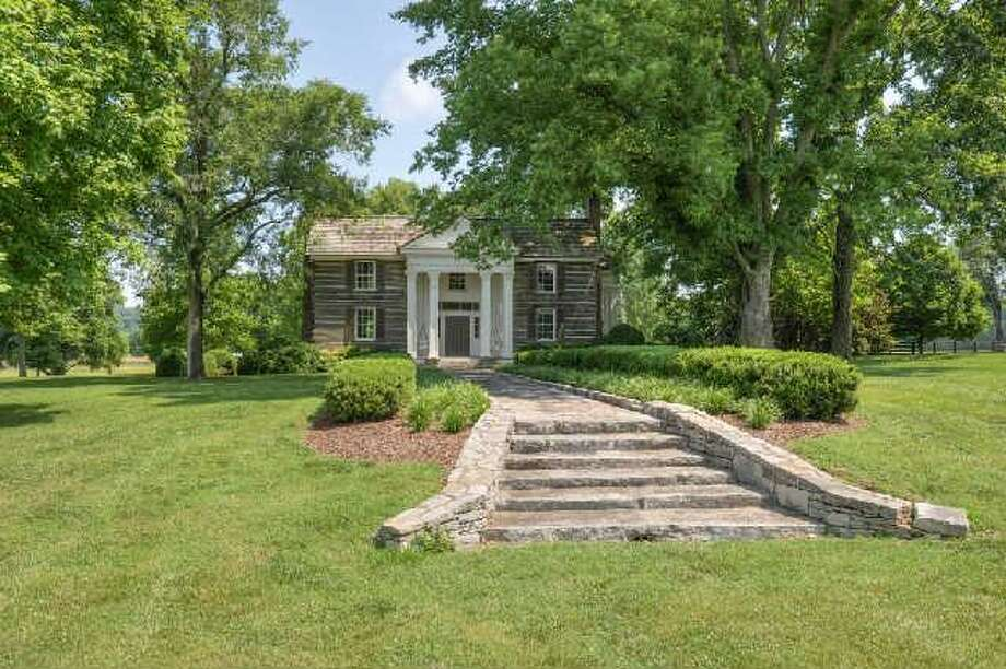 Houston couple buys piece of tim mcgraw and faith hill 39 s for Mcgraw hill real estate