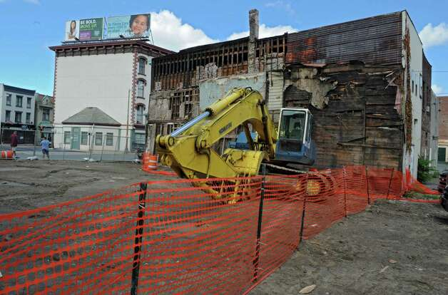 Demolition site on King Street, Troy. where buildings 4, 6, 8 and 10 were torn down Aug. 14, 2013. The state Labor Department issued a stop-work order at the site over asbestos concerns. (Lori Van Buren / Times Union archive) Photo: Lori Van Buren / 00023518A