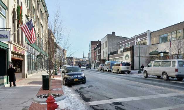 Lower State Street looking east from S. Ferry St. Thursday Jan. 8, 2015, in Schenectady, NY.  (John Carl D'Annibale / Times Union) Photo: John Carl D'Annibale / 00030128A