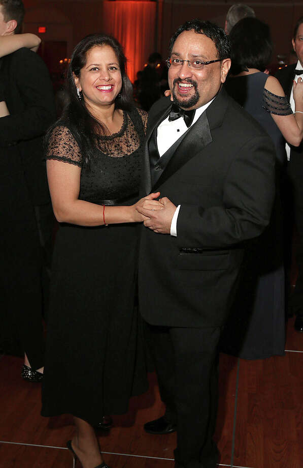 Were you Seen at the 2015 Jewels in the Night Gala on Saturday, Jan. 10, 2015, at the Albany Marriott in Colonie? More than 500 people turned out for the St. Peter's Health Partners' annual event to benefit Albany Memorial Hospital, Samaritan Hospital and St. Mary's Hospital of Troy. Photo: (C) JOE PUTROCK 2014, Joe Putrock/Special To The Times Union