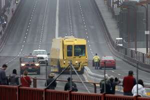 Golden Gate lane change may delight some, irk others - Photo