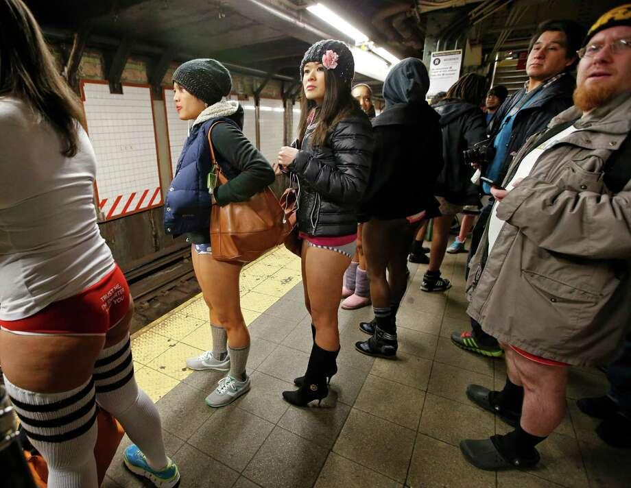 Thousands go pantsless for No Pants Subway Ride - San