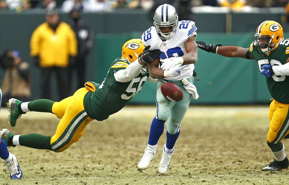 5. Murray's fumble. With plenty of open field ahead of him on his team's first possession of the second half, Cowboys running back DeMarco Murray was stripped of the ball by the Packers' Julius Peppers. Green Bay recovered and kicked a field goal on its next drive to pull within 14-13. Photo: Ron Jenkins, McClatchy-Tribune News Service