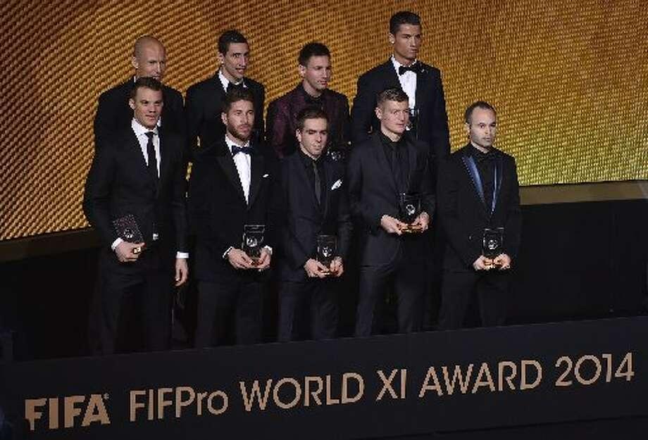 Nueve de los 11 jugadores galardonados en el Equipo Ideal de la FIFA en 2014 asistieron a la gala llevada a cabo el lunes pasado en Zurich, Suiza.