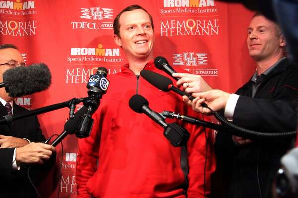 University of Houston football offensive coordinator Major Applewhite meets with press at the University of Houston, Wednesday January 14, 2015. (Billy Smith II / Houston Chronicle)