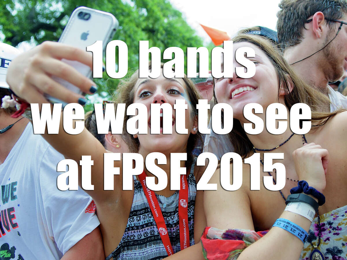 Fans take a selfie while awaiting the Welcome to Houston performance at Free Press Summer Festival 2014