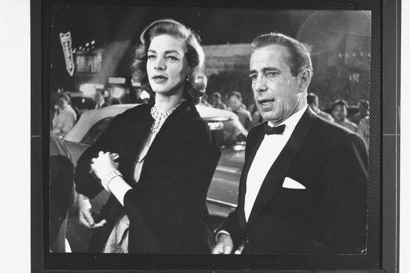 actor humphrey bogart w his actress wife lauren bacall arriving photo times. Black Bedroom Furniture Sets. Home Design Ideas