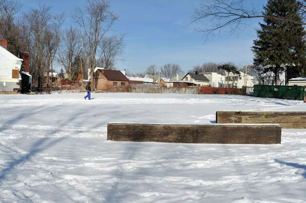 A view of the lot at the corner of Second St. and Oak St. on Thursday, Jan. 15, 2015, in Albany, N.Y.   The city announced that a new park will be built here.  (Paul Buckowski / Times Union) Photo: Paul Buckowski / 00030212A