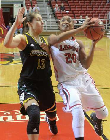 Lady Cards Improve To 4 1 In Conference Beaumont Enterprise