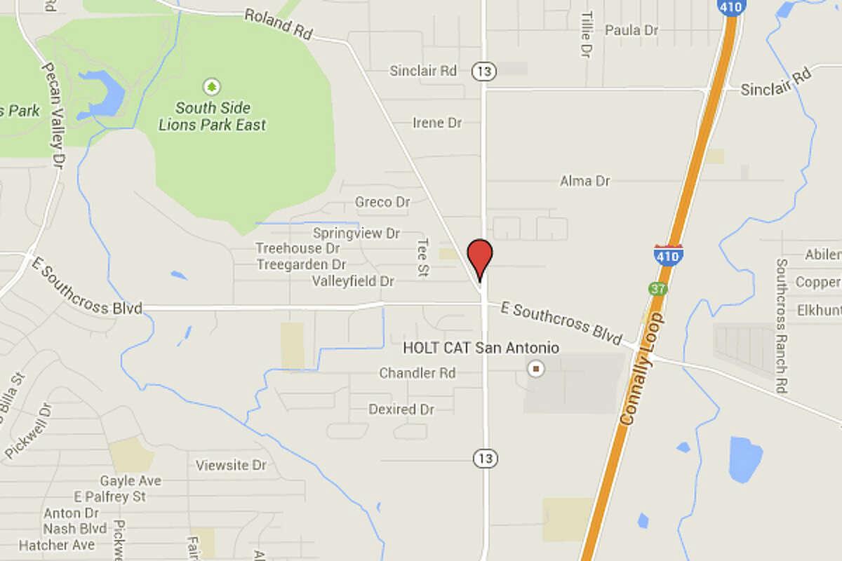 SARITA'S PLACE: 3023 S. W W WHITE RD San Antonio , TX 78222 Date:01/09/2015 Demerits:14
