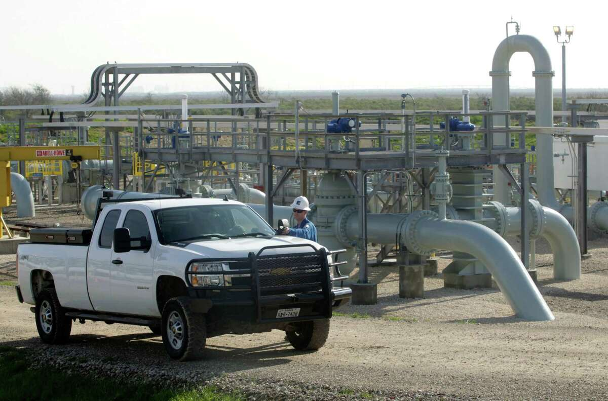 Energy Transfer operates about 71,000 miles of pipelines, including the Jones Creek facility shown here, and is best known for its heavy footprint throughout Texas and the Gulf Coast.