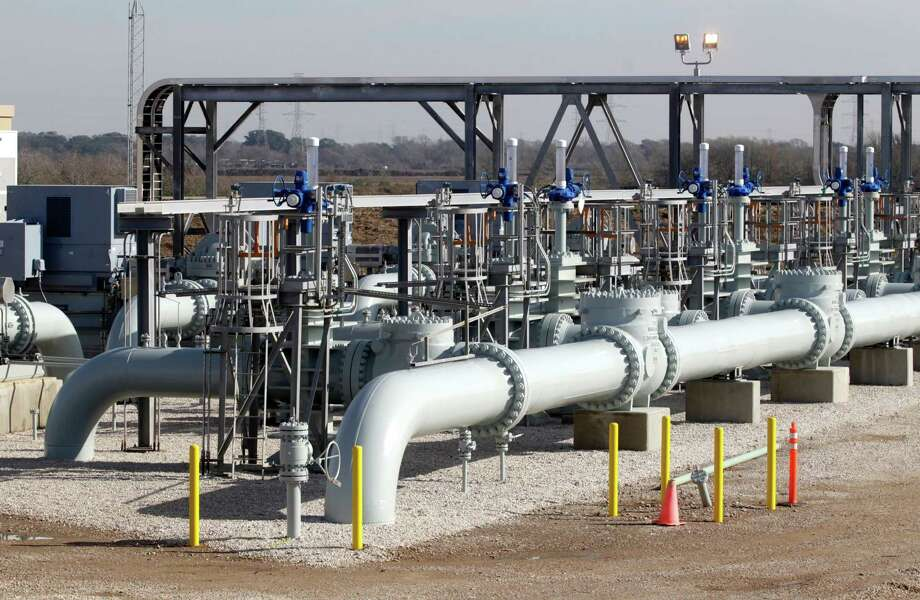 In a $32.9 billion deal, Dallas-based Energy Transfer Equity planned to buy The Williams Cos., headquartered in Tulsa, Oklahoma. Photo: J. Patric Schneider /For The Houston Chronicle / © 2015 Houston Chronicle