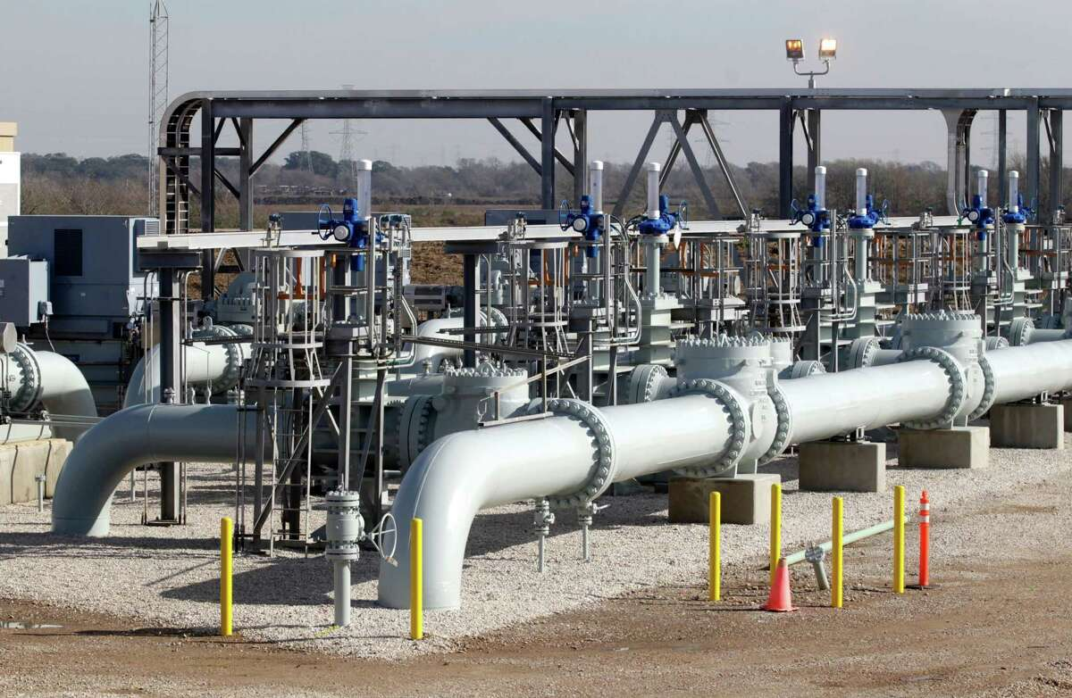 Enbridge and Enterprise Products Partners' Jones Creek Facility is helping to raise the flow of Canadian oil to the southern U.S.