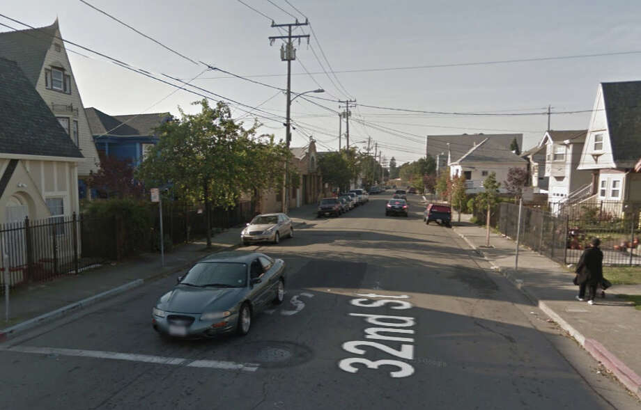 A Vacaville man was shot to death of the 1100 block of 32nd Street in Oakland on Friday. Photo: Google Maps